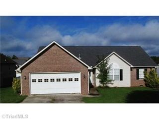 4 BR,  3.50 BTH Single family style home in Slidell