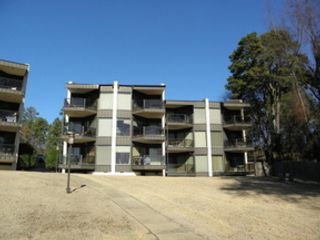 5 BR,  3.00 BTH Single family style home in Buford