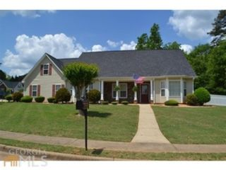 5 BR,  4.00 BTH Traditional style home in Covington