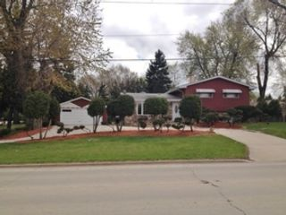 3 BR,  2.00 BTH Single family style home in Oak Forest