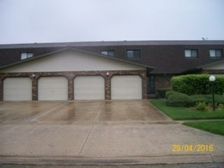 4 BR,  2.50 BTH  Single family style home in North Aurora