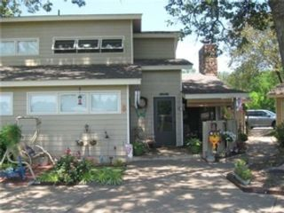 2 BR,  1.50 BTH Ranch style home in Chicago