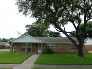 3 BR,  2.00 BTH  Traditional style home in Pasadena