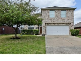 4 BR,  3.50 BTH Single family style home in Cypress