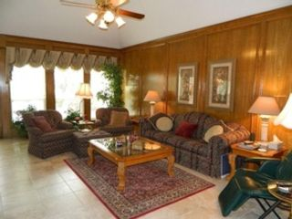 5 BR,  4.50 BTH Single family style home in Houston