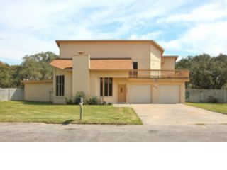 3 BR,  3.50 BTH Single family style home in Aransas Pass