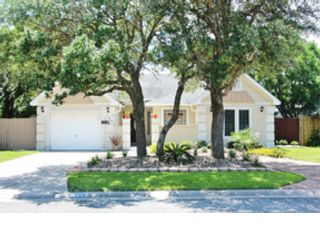 3 BR,  2.50 BTH Single family style home in Aransas Pass