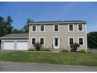 5 BR,  4.50 BTH Single family style home in Stanwood