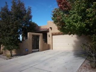 3 BR,  3.00 BTH  Single family style home in Albuquerque