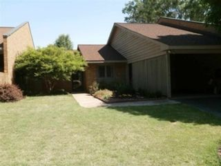 4 BR,  4.50 BTH 2 story style home in Hickory