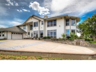 4 BR,  4.00 BTH  Contemporary style home in Cottonwood
