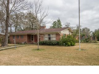 4 BR,  2.50 BTH Colonial style home in Cumberland