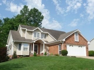 3 BR,  3.00 BTH Log style home in New Market
