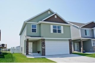 3 BR,  2.50 BTH Single family style home in Moorhead