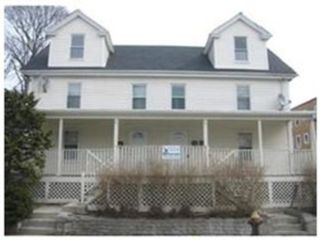 3 BR,  2.50 BTH Single family style home in Plymouth