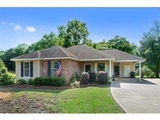 3 BR,  2.00 BTH Single family style home in Springfield