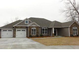 6 BR,  6.50 BTH Single family style home in Covington