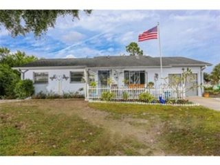 3 BR,  2.00 BTH  Single family style home in Placida