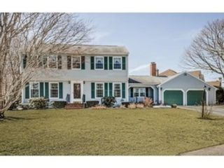 3 BR,  2.00 BTH Colonial style home in New Bedford