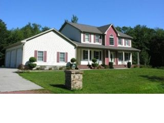 4 BR,  3.50 BTH Single family style home in Dartmouth