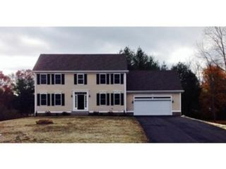 4 BR,  2.50 BTH Single family style home in Marion