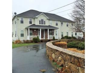 4 BR,  2.50 BTH Single family style home in Fairhaven