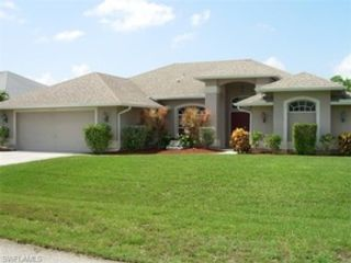 4 BR,  4.00 BTH  Single family style home in Cape Coral