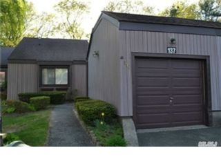 5 BR,  3.00 BTH Ranch style home in Port Jefferson