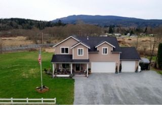 3 BR,  2.50 BTH Single family style home in Bellingham