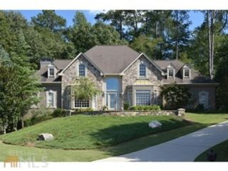 5 BR,  4.00 BTH Traditional style home in Alpharetta