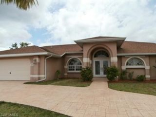 3 BR,  3.00 BTH Single family style home in Sanibel