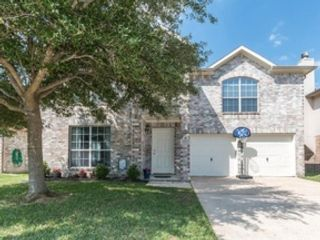 5 BR,  5.50 BTH Single family style home in Spring