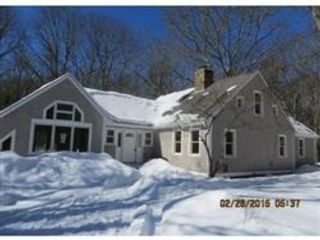Studio,  0.00 BTH Single family style home in Fall River