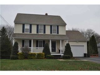 3 BR,  2.50 BTH Single family style home in North Smithfield