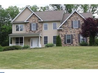 5 BR,  4.50 BTH Single family style home in New Hope