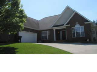 3 BR,  2.50 BTH  Contemporary style home in Knoxville