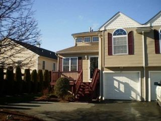 2 BR,  1.00 BTH Single family style home in Warwick