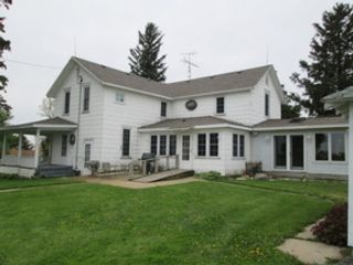 4 BR,  1.50 BTH Bi level style home in Hinckley