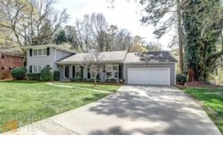 4 BR,  3.00 BTH Single family style home in Grove
