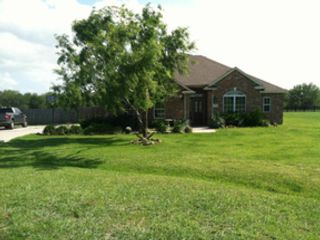 5 BR,  4.50 BTH Single family style home in Kansas City
