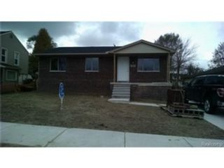 6 BR,  6.50 BTH Single family style home in Fairway