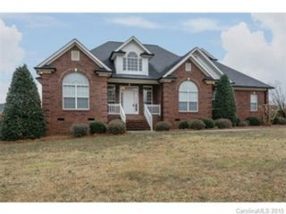 4 BR,  3.50 BTH Single family style home in Shawnee