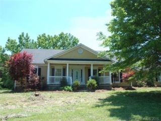 4 BR,  3.50 BTH  Single family style home in Spring Hill