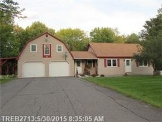 4 BR,  2.50 BTH Single family style home in Douglas