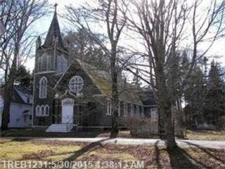 5 BR,  2.50 BTH Single family style home in Cumberland
