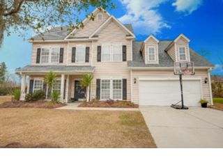 5 BR,  4.00 BTH  Single family style home in Osteen