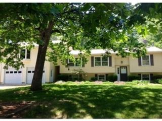4 BR,  2.50 BTH  Colonial style home in Northbridge