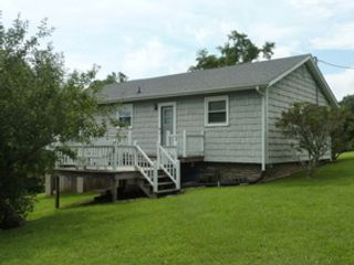 2 BR,  2.00 BTH  Bungalow cottag style home in Ferrum