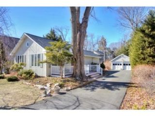 5 BR,  3.00 BTH Colonial style home in Southbury