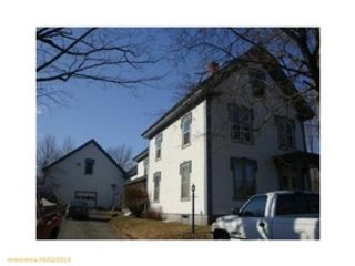 4 BR,  3.00 BTH  Single family style home in Dartmouth